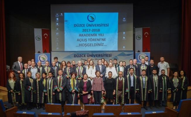 Düzce Üniversitesi'nde 2017-2018 akademik yılı açılış töreni gerçekleştirildi