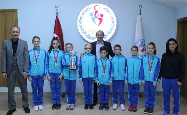 Küçük cimnastikçilerden ziyaret