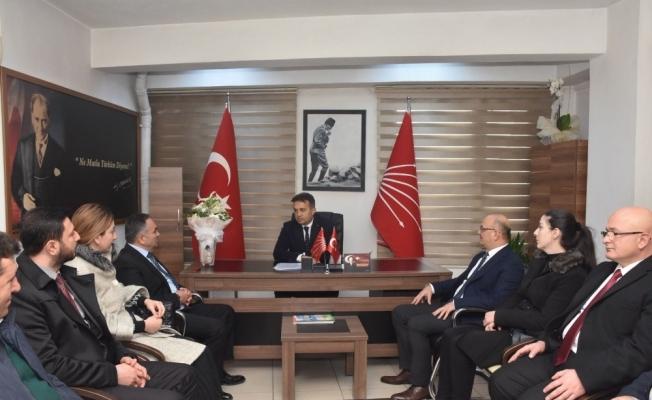Başkan Ay CHP teşkilatını ziyaret etti