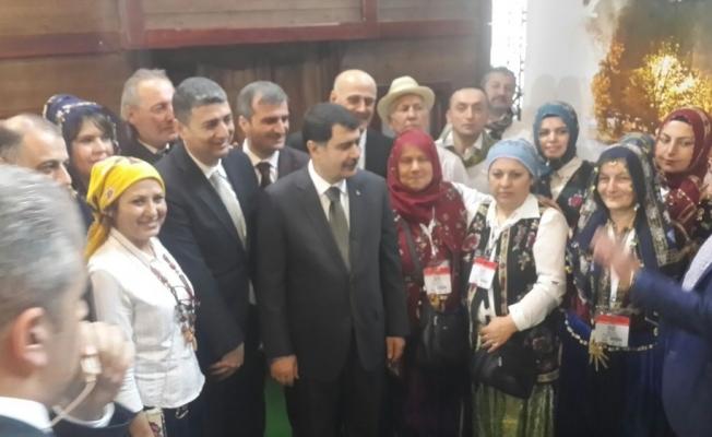 İstanbul Valisi Şahin, Akçakoca standını ziyaret etti