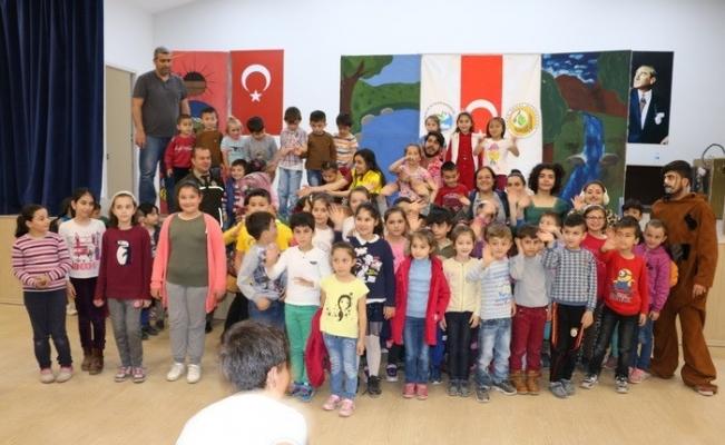 Yığılca'da 553 öğrenciye tiyatro gösterisi sergilendi