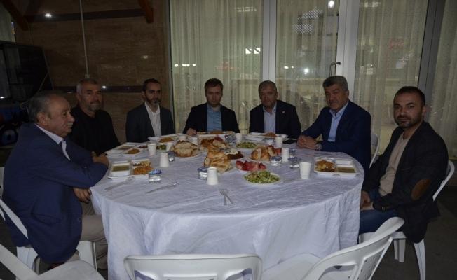 Başkan Yiğit iftarda personeli ile bir araya geldi