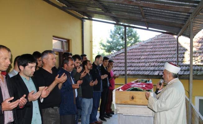 Cenazede çıkan kavgada ölen imam son yolculuğuna uğurlandı