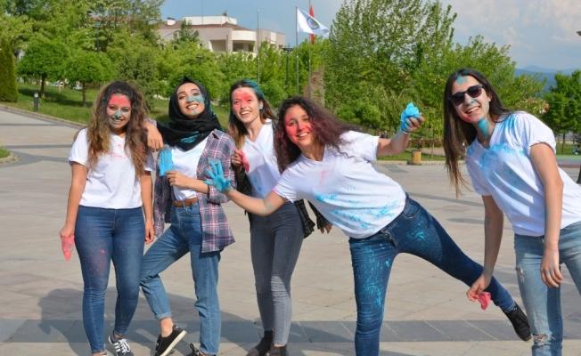 Düzce Üniversitesi öğrencileri otizme dikkat çekti