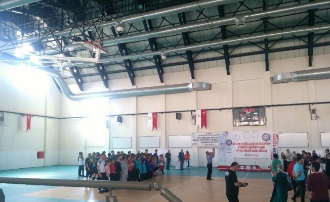 Düzce Üniversitesi Türkiye Badminton şampiyonası'na ev sahipliği yaptı