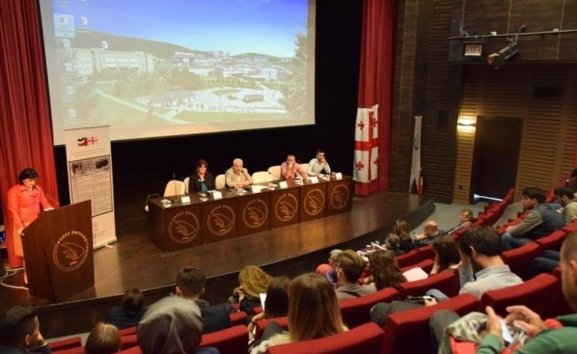 Düzce Üniversitesi'nden Gürcü kaligrafisi etkinliği yapıldı