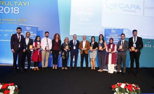 Geleceğin Sağlık Yöneticileri Proje Yarışması'nda 1.'lik ödülü DÜ'nün