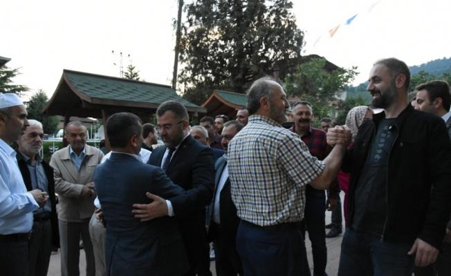 AK Parti İl Başkanı Keskin, köyünde iftar açtı