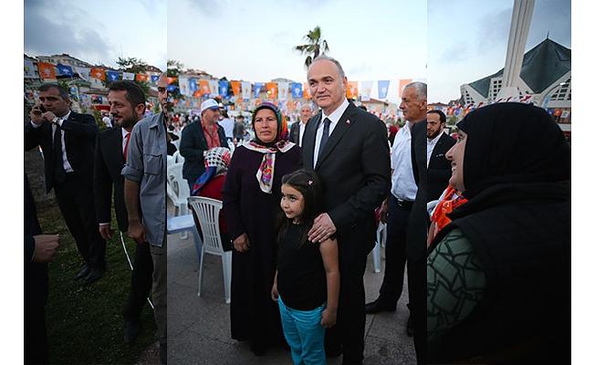 """Türkiye bugün İslam aleminin de umudu halindedir"""""""