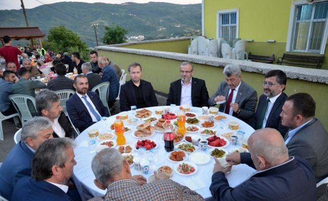 Yığılca Belediyesi mahalle iftarlarına devam ediyor