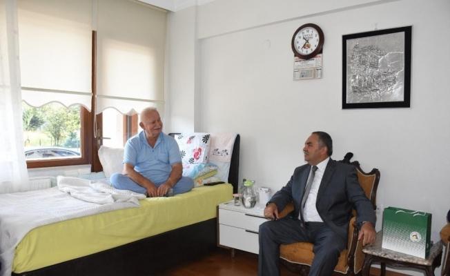 Başkan Ay Hastaları Ziyaret Etti