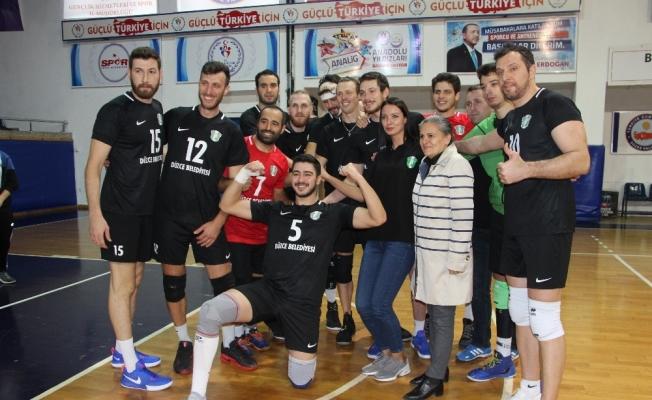Voleybol Erkekler 1. Ligi: Düzce Belediyespor: 3 - Altekma: 2