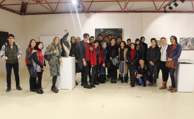 Mimarlık Fakültesi sanat galerisi her yaştan ziyaretçileri ağırlıyor