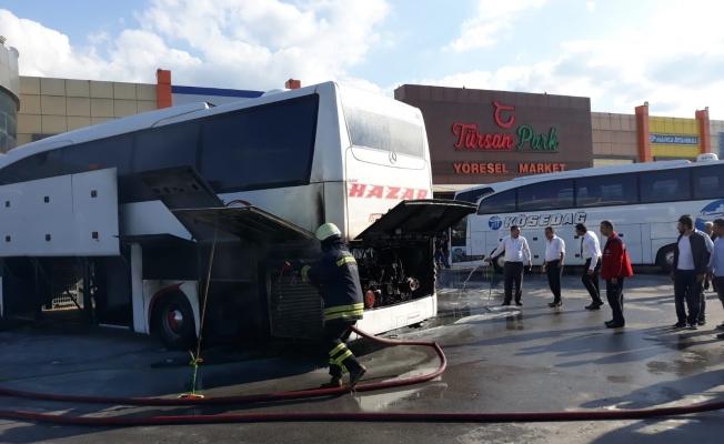Yolcu otobüsünde yangın korkuttu!