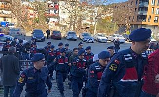 Okul önlerindeki uyuşturucu satıcılarına operasyon