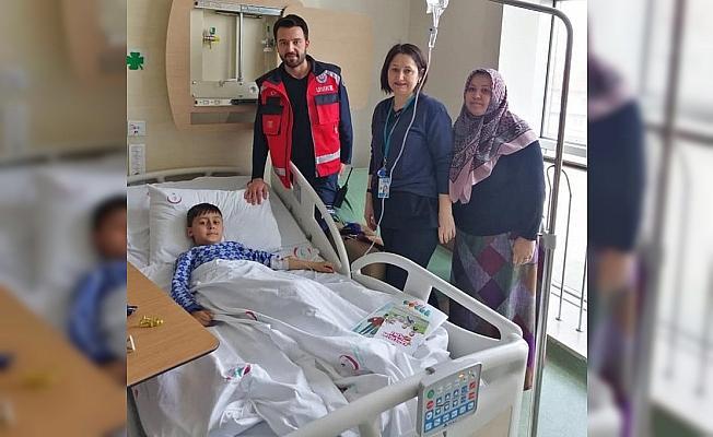 112 sağlık ekiplerinden duygulandıran ziyaret