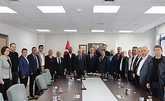 İşadamlarından Başkan ÖZlü'ye tebrik ziyareti