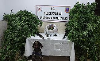 KURTSUYU KÖYÜ'NDE BİR EVE JANDARMA BASKINI!